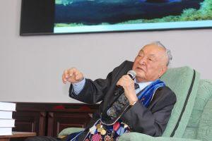Состоялась встреча академика Мамбета Мамакеева с коллегами, преподавателями, студентами