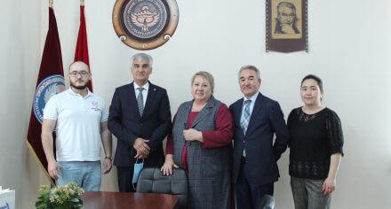 Подписан меморандум между КГМА  им.И.К.Ахунбаева и Ташкентским институтом усовершенствования врачей