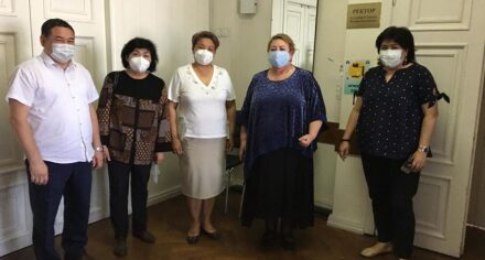 Преподаватели КГМА вернулись из Ат-Башинской территориальной больницы, где лечили больных коронавирусом
