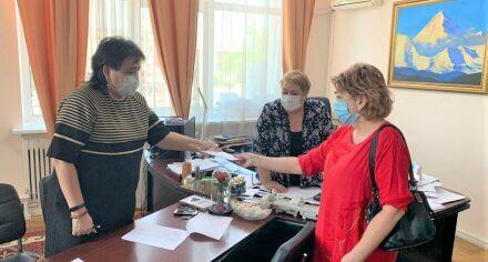 Неравнодушные активисты оказывают помощь КГМА