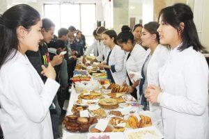 В КГМА проходит благотворительная ярмарка