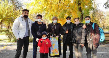 Студенты КГМА навестили постояльцев Дома престарелых Ленинского района столицы