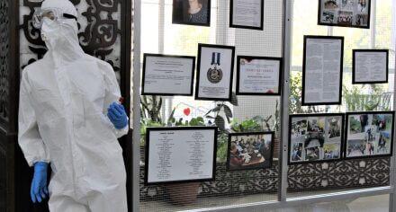 В КГМА организовали фотовыставку, посвященную борьбе медиков против КОВИД-19