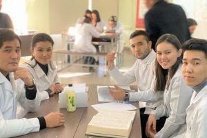 В КГМА проведена интеллектуальная игра по лечению инфекционных болезней
