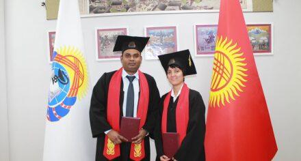 Двум гражданам Непала вручены сертификаты об окончании ординатуры КГМА